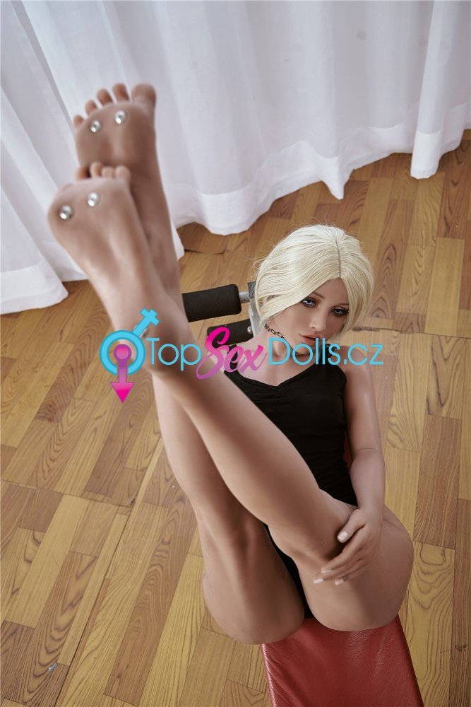 Love Doll Victoria-2 150 cm / A-Cup - Irontech Doll