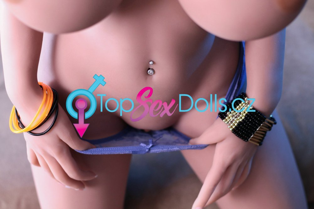 Love Doll Gina 140 cm / H-Cup - YL Doll