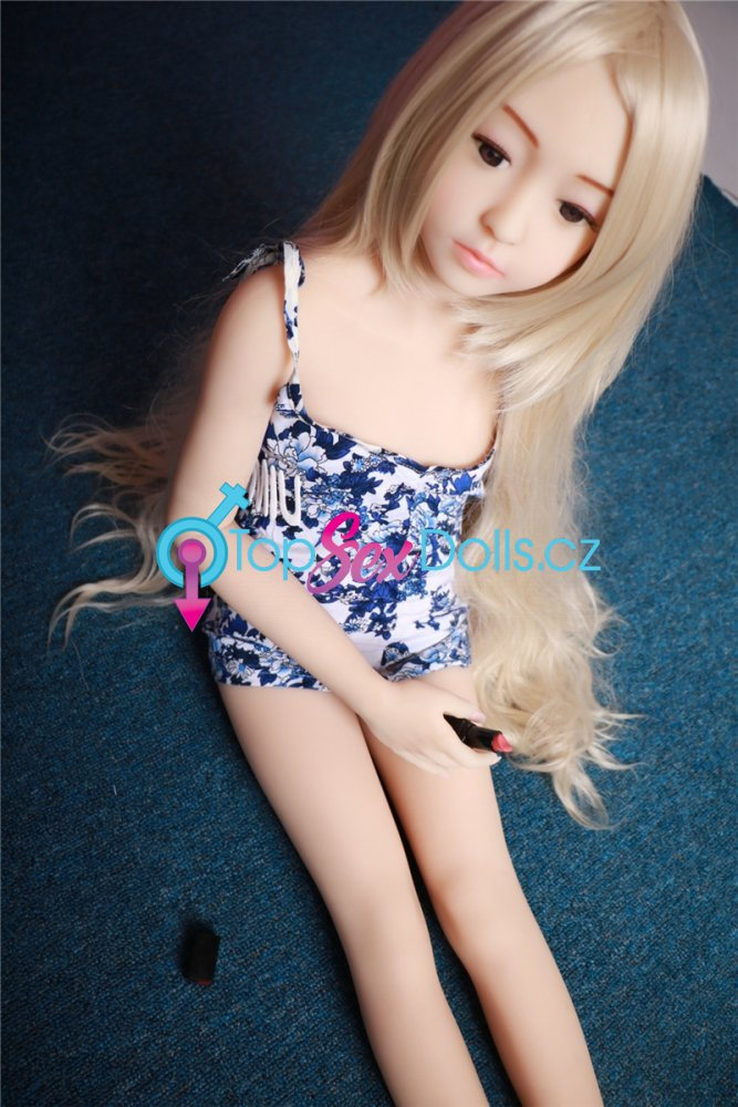 Love Doll Lily 128 cm / A-Cup - Irontech Doll
