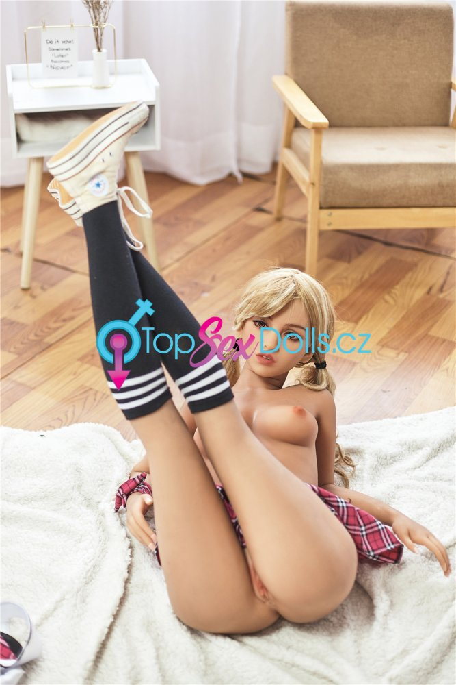 Love Doll Victoria 155 cm / A-Cup - Irontech Doll